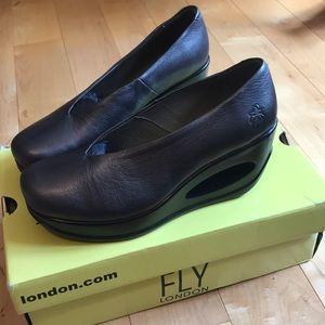 Fly London Borgogna heels in Graphite! (Size 7)